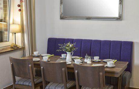 Café gedeckter Tisch
